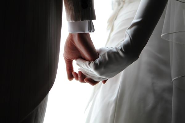 新郎新婦の手|ジャルダン・ドゥ・ボヌール