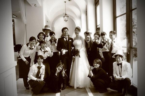 結婚式|スタッフとの写真