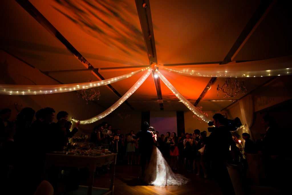 影を使った演出も♡自由スタイル結婚式