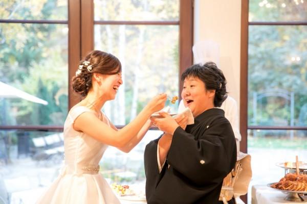 ファーストバイト|花嫁と母