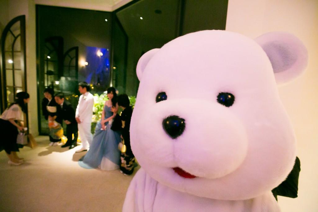 氷の世界の結婚式~白くまがお手伝いさせて頂きます~