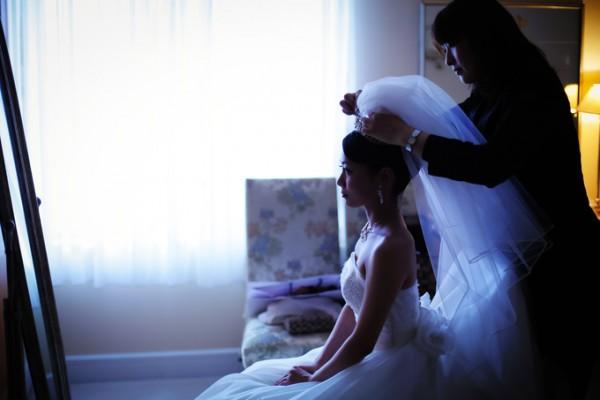 お支度中の花嫁|ウエディングドレス|ジャルダンドゥボヌール
