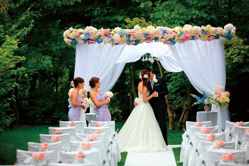 ガーデン結婚式|ジャルダンドゥボヌール