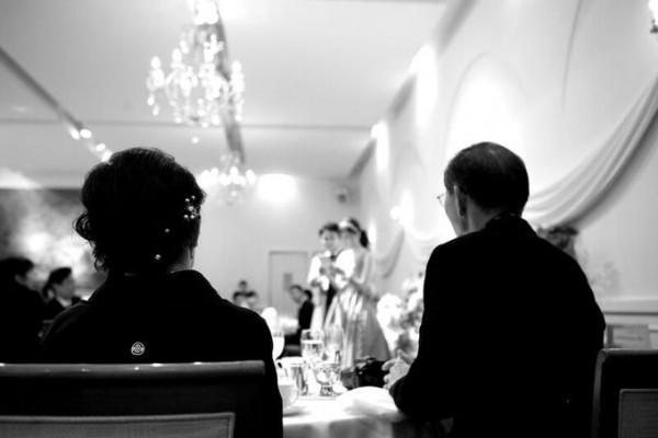 結婚式に参列するご両親様|ジャルダンドゥボヌール