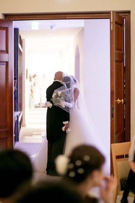 挙式前のお父様と花嫁様