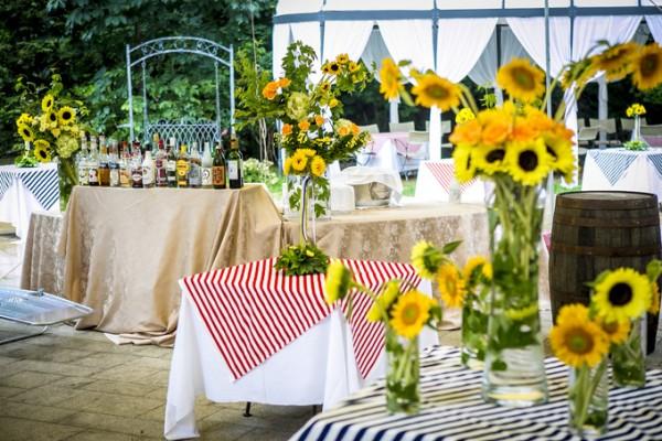 ひまわりのテーブルコーディネート|ガーデンウエディング