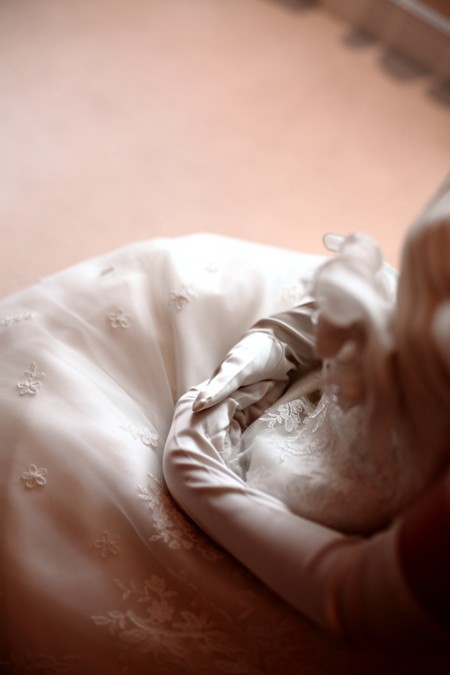 イスに座る花嫁様