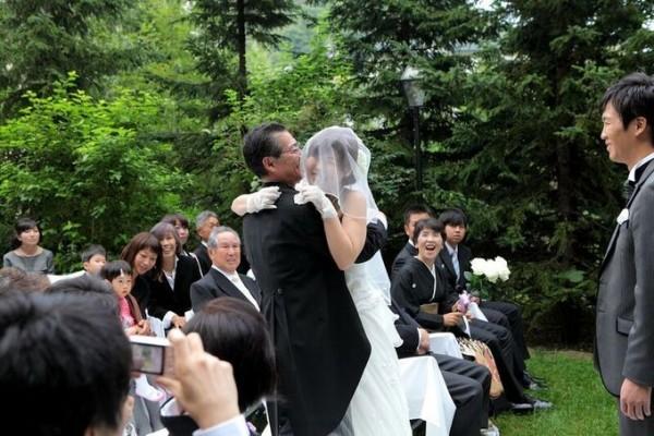 挙式|花嫁と父