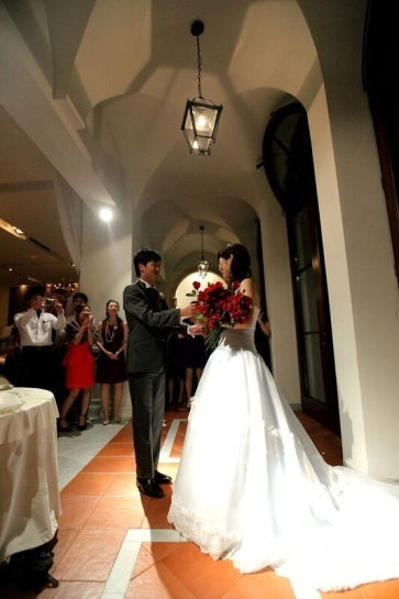 結婚式のワンシーン|ジャルダンドゥボヌール