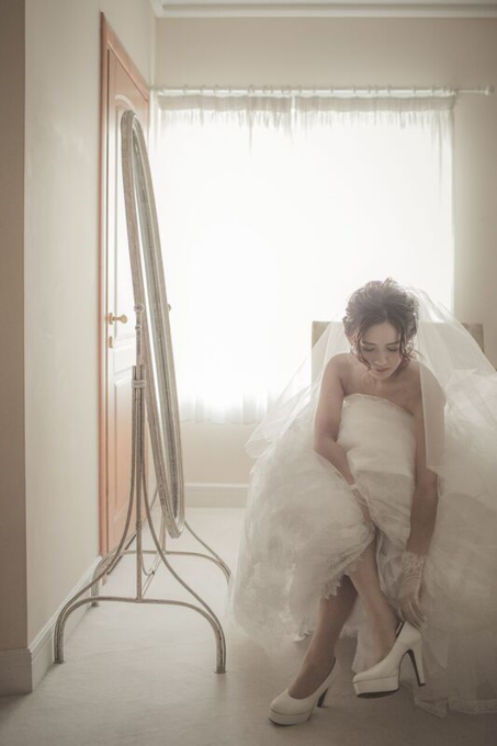 パンプスを履く花嫁様