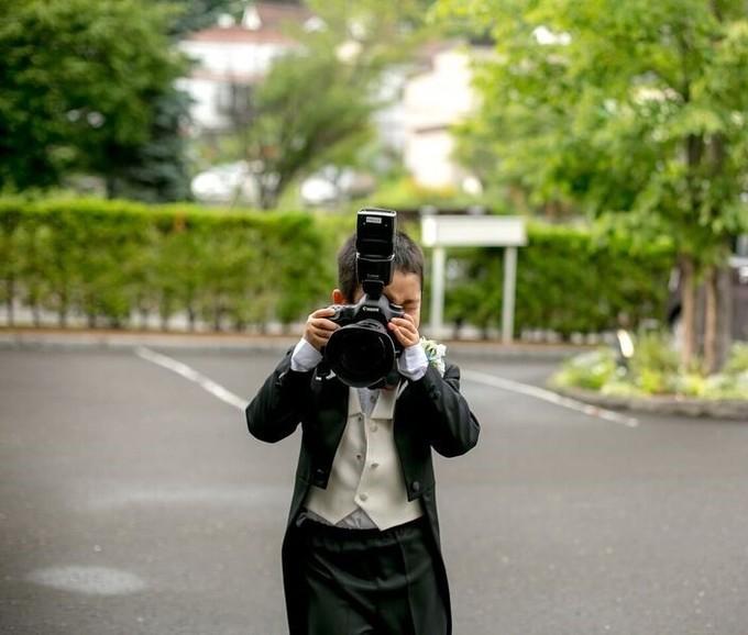 カメラを持ったお子様